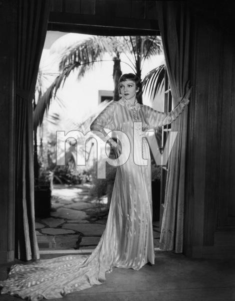 Claudette CobertC. 1933 - Image 0745_0138