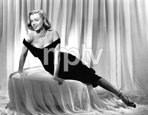 "Marilyn Monroepublicity photo for""Asphalt Jungle, The"" 1950. - Image 0758_0183"