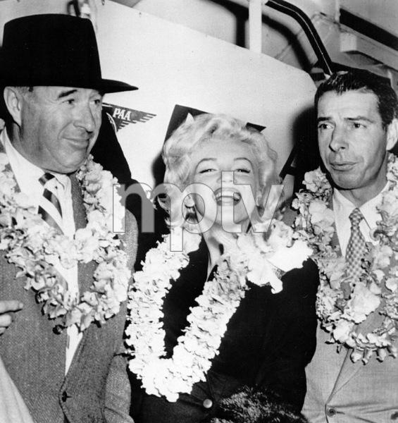 Marilyn Monroe with husband Joe DiMaggio in Hawaii, 1954. - Image 0758_0328