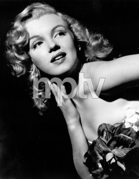 "Marilyn Monroe publicity shot forUnited Artists, which signed her upfor the film ""Love Happy""  1948Photo by Madison Lacey / **R.C. - Image 0758_0410"
