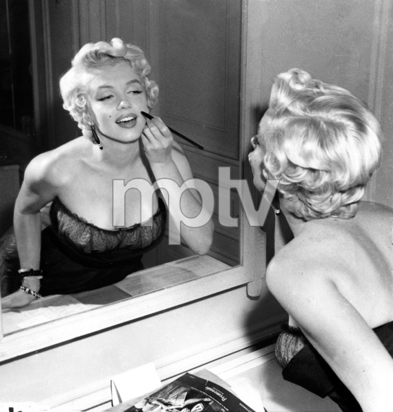 """Marilyn Monroe in a New York Apartmentgetting made-up for her balcony scene in""""The Seven Year Itch,"""" 1954. - Image 0758_0786"""
