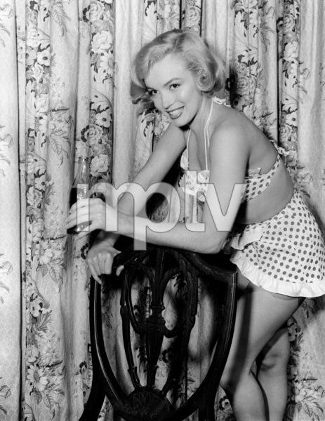 """Marilyn Monroe during the filmingof """"Love Nest,"""" 1951.**I.V. - Image 0758_0879"""