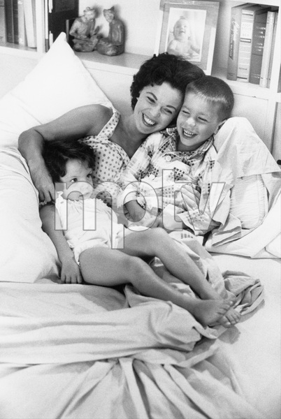 Shirley Temple at home with her children, Charles and Lori 1958 © 1978 Bob Willoughby - Image 0763_0601