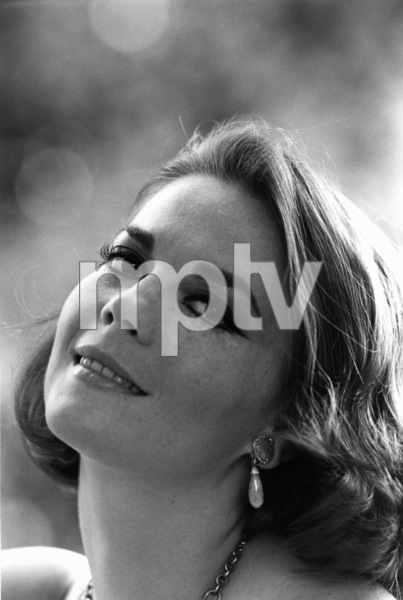 Natalie Wood at home in Bel Air, Ca., 1966. © 1978 Gunther - Image 0764_0271