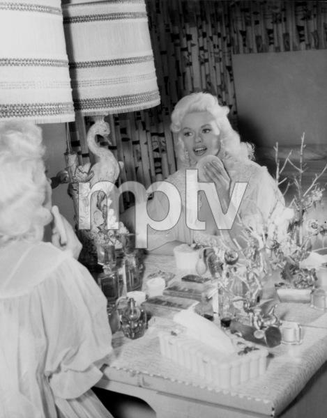 Jayne Mansfield at homeCirca 1958 © 1978 Gabi Rona - Image 0774_0016