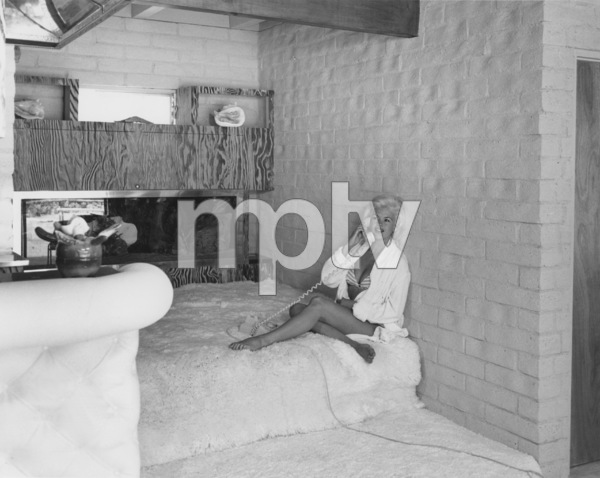 Jayne Mansfield at home1961Photo by L.A. Todd Photography - Image 0774_0536