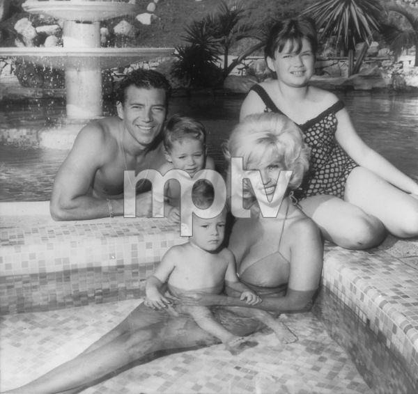Jayne Mansfield with husband Mickey Hargitay & kids Zoltan, Miklos and Jayne MarieCirca 1963 - Image 0774_0543