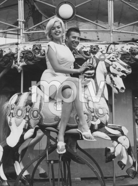 Jayne Mansfield with her husband Mickey Hargitay in Rome1962 - Image 0774_0544