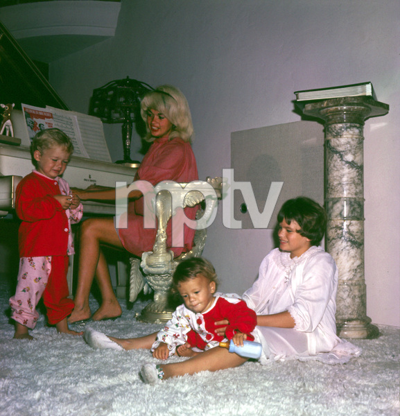 Jayne Mansfield at home with her children Mickey Hargitay Jr., Jayne Marie and Zoltan 1961 © 1978 Bud Gray - Image 0774_0591