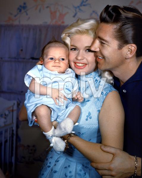Jayne Mansfield & Mickey Hargitaywith their baby Miklos1958**I.V. - Image 0774_0636