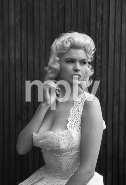 Jayne Mansfield at home1956 © 1978 Lou Jacobs Jr. - Image 0774_0649