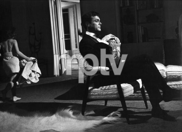 Tony Curtis at homecirca 1960s © 1978 Leo Fuchs - Image 0845_0604