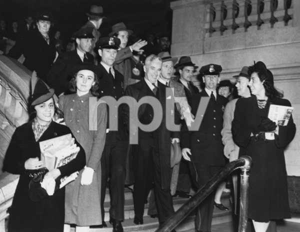 "Charlie Chaplin at world premiere of ""The Great Dictator"" NY1940** I.V. - Image 0860_0713"