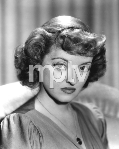 Bette Davis, IN THIS OUR LIFE, WB, 1942, Photograph by WELBOURNE, I.V. - Image 0925_1030