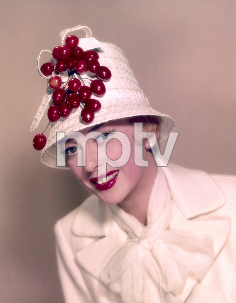 """Rosalind Russell publicity photo for """"Auntie Mame""""1958 Warner Brothers - Image 0952_0004"""