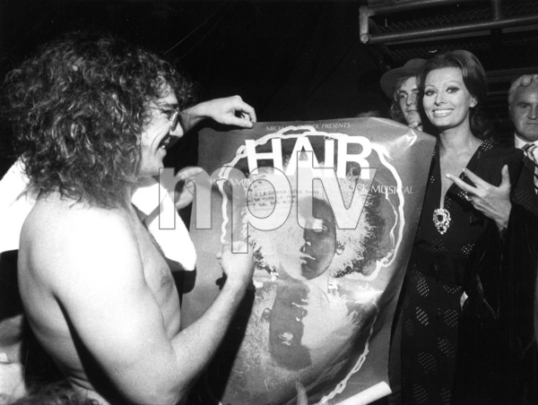"Sophia Loren backstage at the""Hair""performance, 1970. - Image 0959_2105"