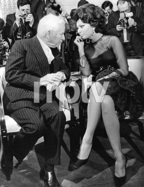 Sophia Loren with Comedian Charlie Chaplinduring a press conference, 1965. - Image 0959_2106