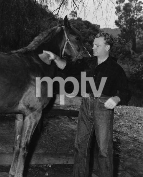 James Cagney and his harness racing horse, Eddie Mack1950Photo by Mac Julian - Image 0969_0045