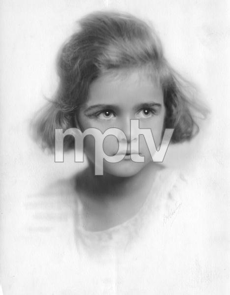 Joan Bennett portrait circa 1916, I.V.photo by Gaston - Image 0994_0039