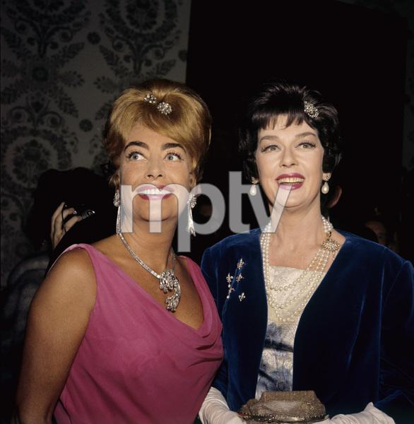 """The Golden Globe Awards""Joan Crawford, Rosalind Russell1962 © 1978 Bernie Abramson - Image 10095_0005"