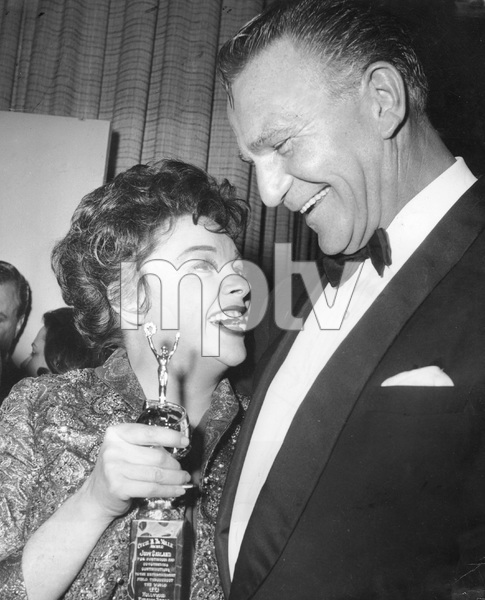 Judy Garland, Henry Wilcoxon, 1962, I.V., recieving  Cecil B. DeMille Award - Image 10095_0017