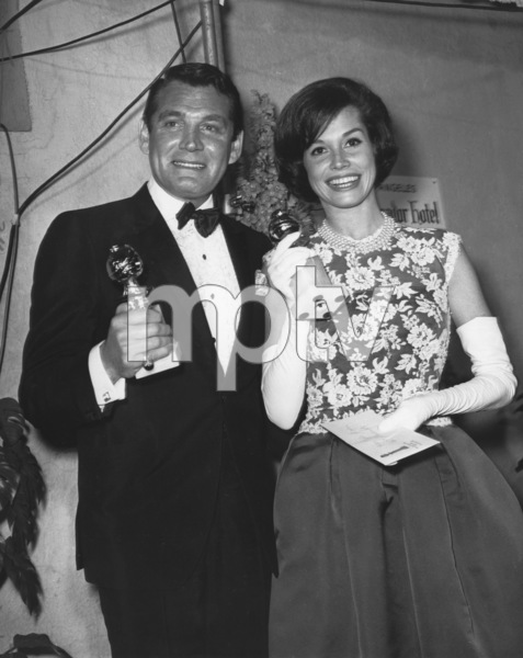 Gene Barry and Mary Tyler Moore holding their Golden Globe Awardscirca 1965Photo by Joe Shere - Image 10148_0004