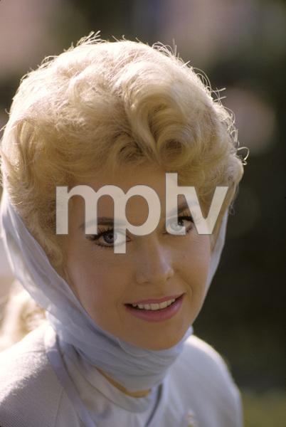 Donna Douglas1965 © 1978 Gunther - Image 10448_0011