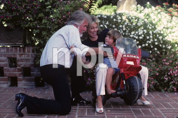 Kenny Rogers with his wife, Marianne Gordon, and their son, Christopher Cody Rogers1985© 1985 Mario Casilli - Image 10575_0058