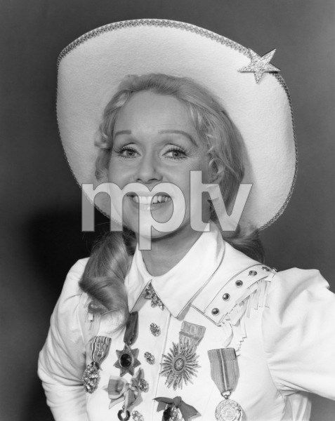 """Civic Light Opera: Annie Get Your Gun""Debbie Reynolds1977© 1978 Eric Skipsey - Image 10631_0006"