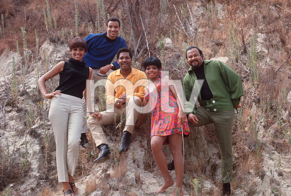 Fifth DimensionMarilyn McCoo,Florence LaRue,LaMont McLemore,Ron Townson,Billy DavisC. 1969 © 1978 GuntherMPTV - Image 10640_0003