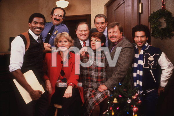 """Cagney & Lacey"" Carl Lumbly, Harvey Atkin, Sharon Gless, Al Waxman, Tyne Daly, Sidney Clute, John Karlen, Paul Mantee circa 1986 CBS Photo by Wynn Hammer - Image 10779_0001"