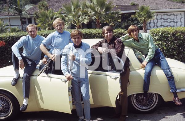 The Beach Boys (Mike Love, Al Jardine, Bruce Johnston, Carl Wilson, Dennis Wilson) and their Jaguar 3.8 Scirca 1966 © 1978 Gunther - Image 10841_0010