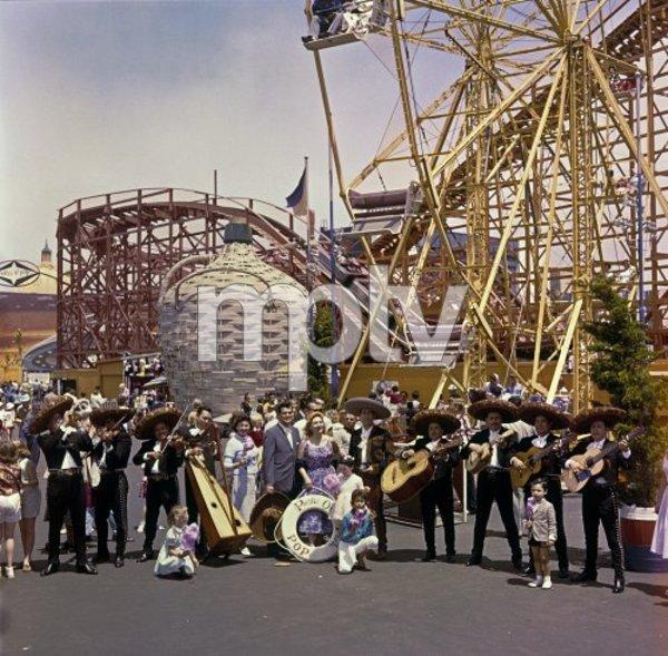 P.O.P. (Pacific Ocean Park) circa 1965 / Santa Monica, CA © 1978 Gene Howard - Image 10849_0006