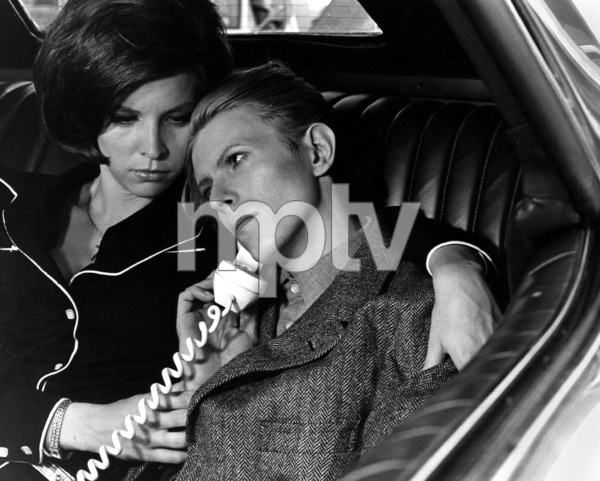 """""""The Man Who Fell to Earth""""Candy Clark, David Bowie1976 British Lion Film Corporation** I.V. - Image 10883_0010"""