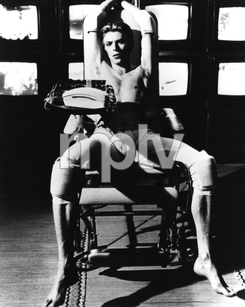 """""""The Man Who Fell to Earth""""David Bowie1976 British Lion Film Corporation** I.V. - Image 10883_0016"""