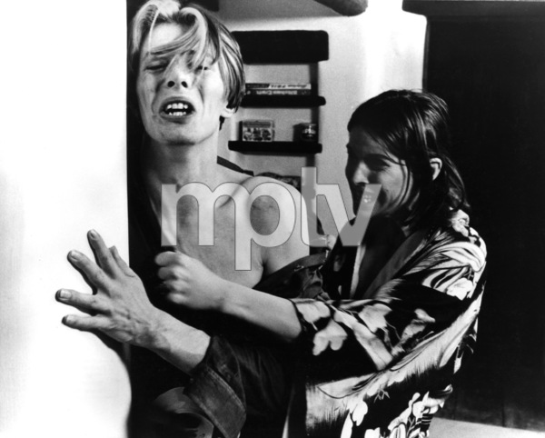 """""""The Man Who Fell to Earth""""David Bowie, Candy Clark1976 British Lion Film Corporation** I.V. - Image 10883_0023"""
