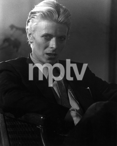 """""""The Man Who Fell to Earth""""David Bowie1976 British Lion Film Corporation** I.V. - Image 10883_0027"""