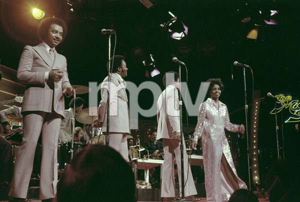 """""""Gladys Knight and the Pips"""" (Gladys Knight, William Guest, Merald Knight, Edward Patten)1973** H.L. - Image 11035_0006"""