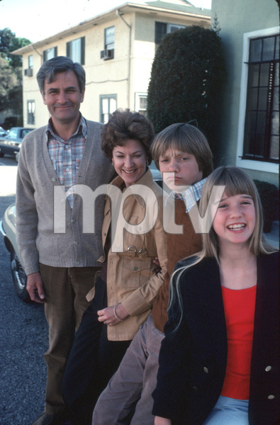"""James At 15""Linden Chiles, Lynn Carlin, Lance Kerwin,and Kim Richards.1977 NBC**H.L. - Image 11096_0012"