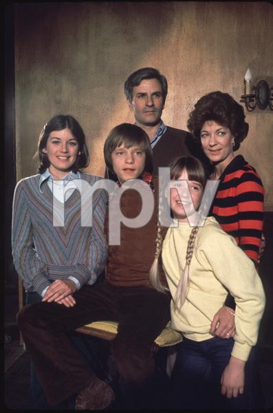 """James At 15""Deirde Berthrong, Linden Chiles, Lynn Carlin,Lance Kerwin, Kim Richards1977 NBC**H.L. - Image 11096_0014"