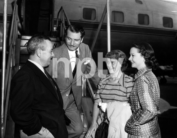 """Carrie""Director William Wyler, Laurence Olivier, Vivien Leigh, Suzanne Holman1952 Paramount Pictures** I.V. - Image 1112_0176"