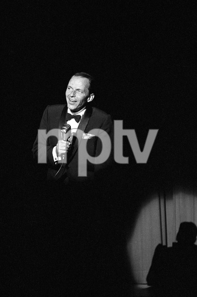 Frank Sinatra performing at a Share Party1963 © 1978 David Sutton - Image 11165_0016