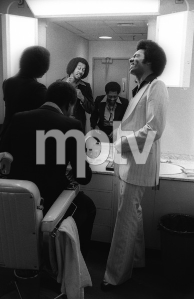 The Temptations in the Soul Train dressing room (Melvin Franklin, Otis Williams, Richard Street, Glenn Leonard, Dennis Edwards)circa 1978© 1978 Bobby Holland - Image 11308_0008