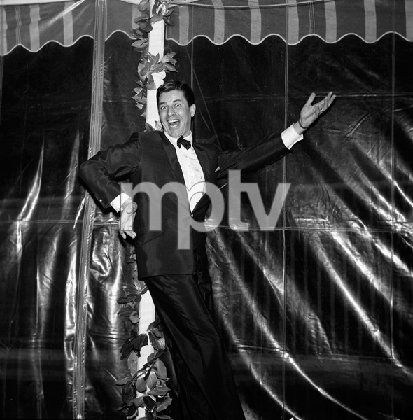 Jerry Lewis at a party for Danny Thomas1961 © 1978 Bernie Abramson - Image 11328_0001