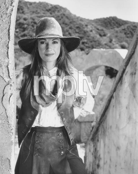 Jane Seymour, DR. QUINN MEDICINE WOMAN, photo by Cliff Lipson, CBS, 1999, TV, I.V. - Image 11338_0011