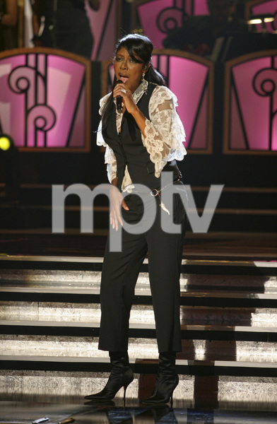 Natalie Cole performing live at the Kodak Theater in Hollywood for an Aretha Franklin Tribute 2006© 2006 Michael Jones - Image 11486_0011
