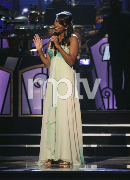 Natalie Cole performing live at the Kodak Theater in Hollywood for an Aretha Franklin Tribute 2006© 2006 Michael Jones - Image 11486_0018