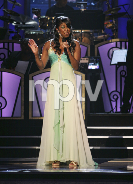 Natalie Cole performing live at the Kodak Theater in Hollywood for an Aretha Franklin Tribute 2006© 2006 Michael Jones - Image 11486_0019