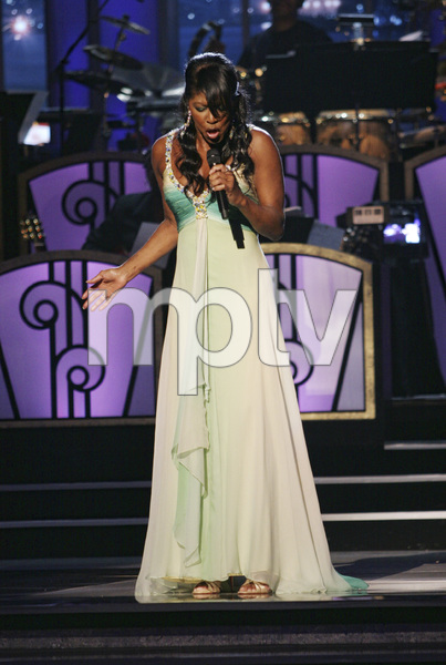 Natalie Cole performing live at the Kodak Theater in Hollywood for an Aretha Franklin Tribute 2006© 2006 Michael Jones - Image 11486_0023