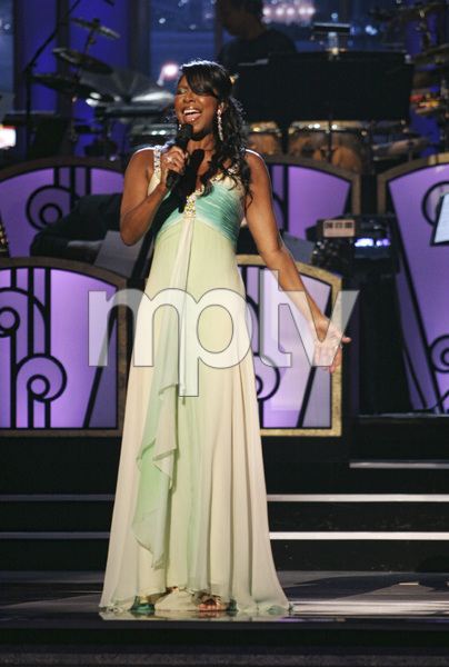 Natalie Cole performing live at the Kodak Theater in Hollywood for an Aretha Franklin Tribute 2006© 2006 Michael Jones - Image 11486_0025